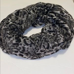 H&M animal print infinity scarf
